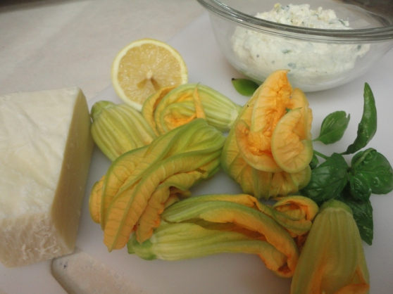 zucchini flower filling