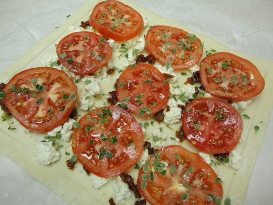 tomatoe and goat cheese tart