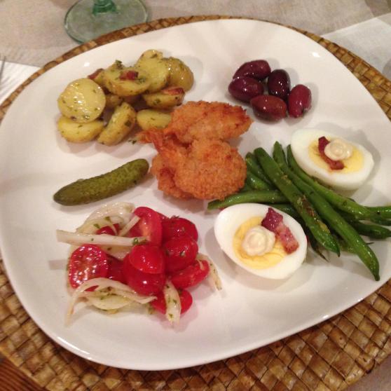 salad nicoise plate